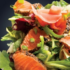 салат с имбирем и лососем