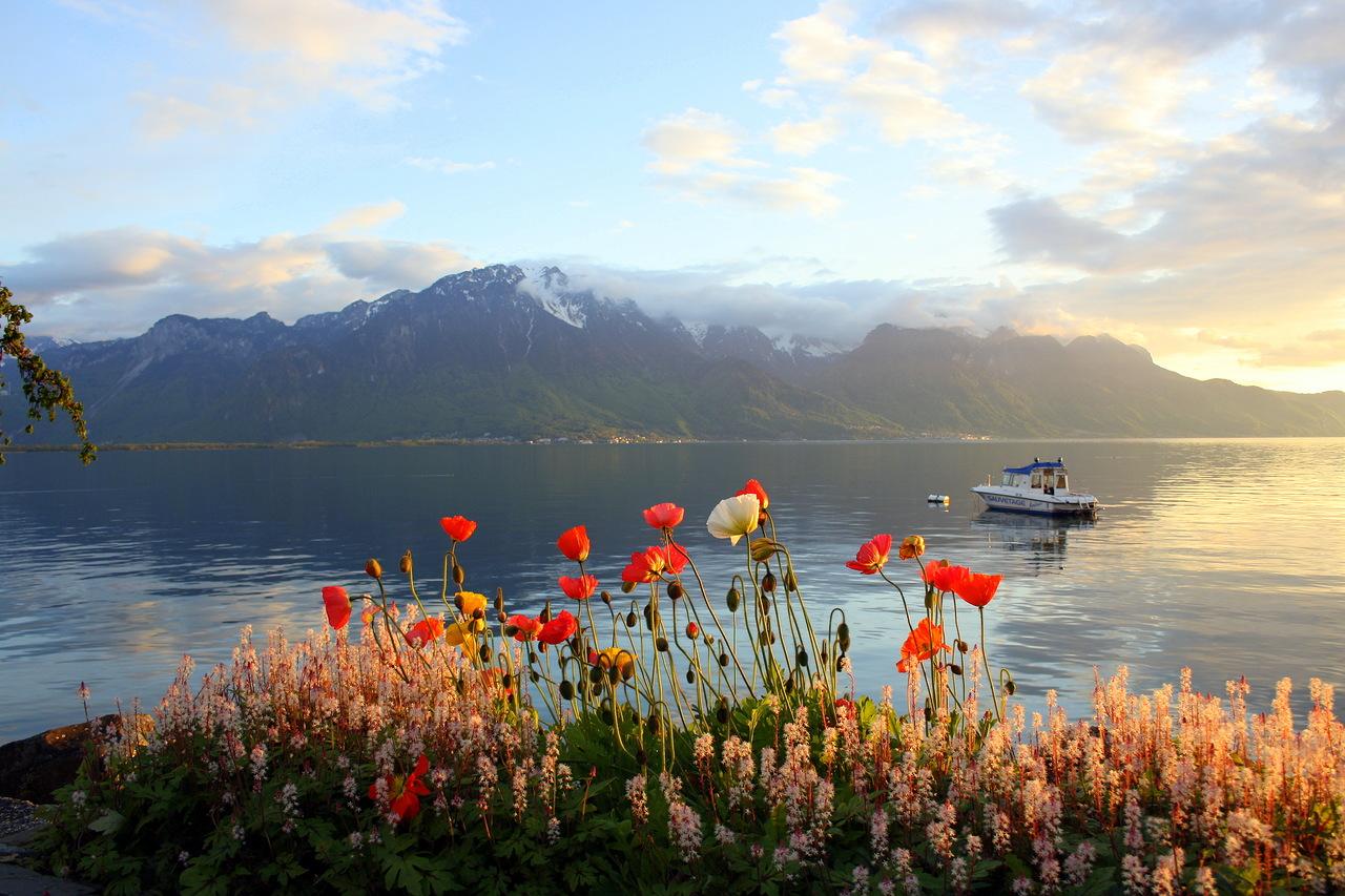 Lake_Geneva_Waters_06