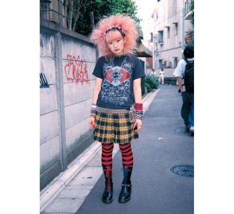 170417135442-tokyo-street-style-photographs-4-exlarge-169